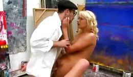 Blondie screaming during a bizarre banging
